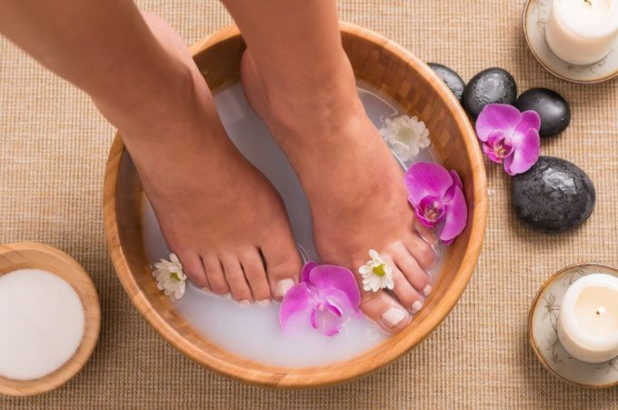 Detoxifying with an Epsom Salts Foot Spa