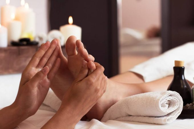 Everything You Need to Know About a Professional Foot Spa