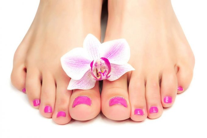 The Foot Spa: A Step-by-Step Procedure to Prettier, Healthier Feet