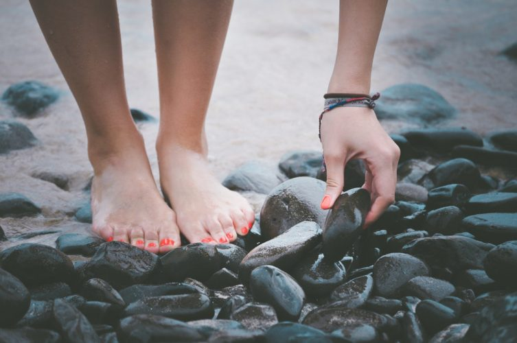 Foot spa helps people with flat feet and plantar fasciitis
